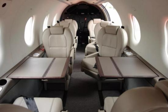 Салон самолета компании Декстер
