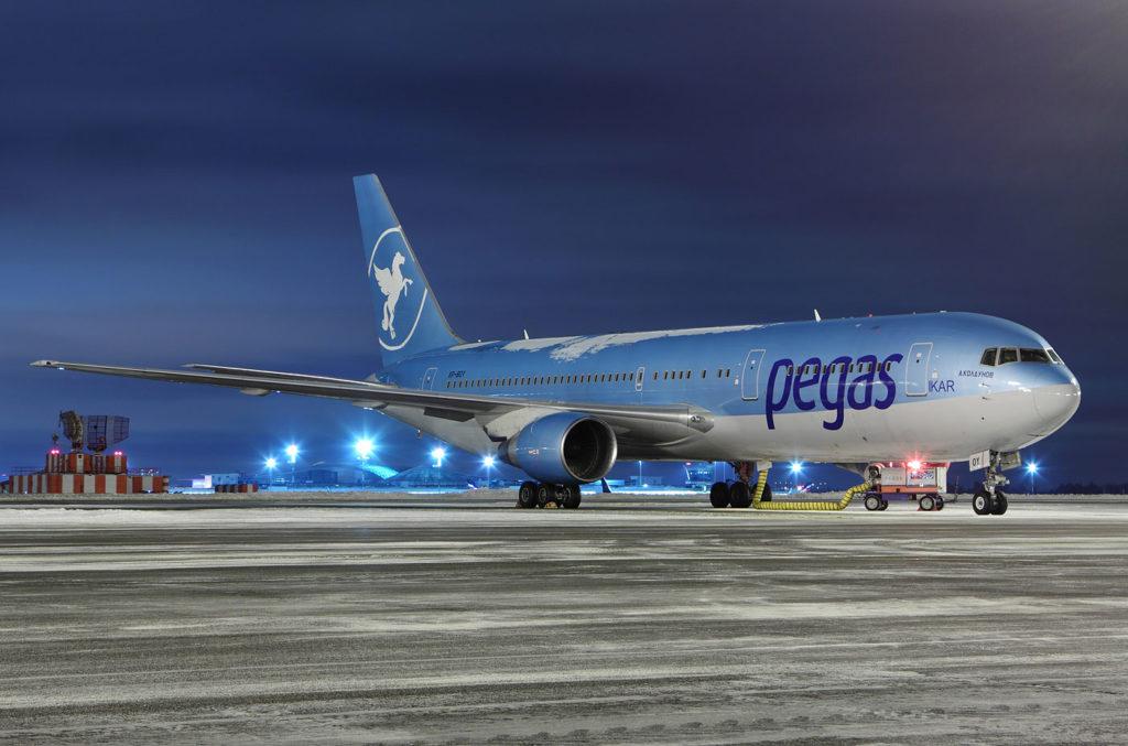 Boeing 737-800 Пегас Флай
