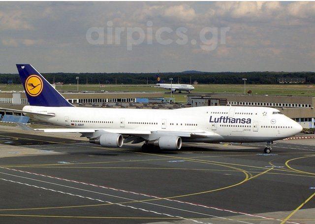 Самолет Boeing 747-400 Lufthansa
