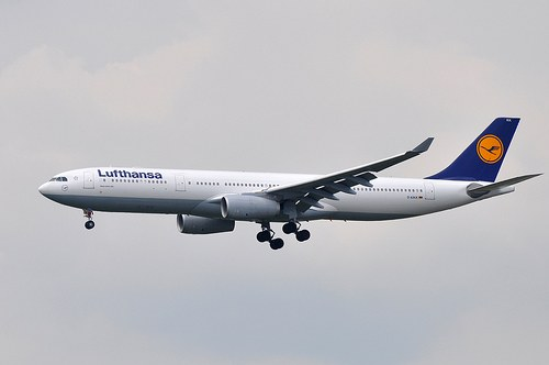 Самолет Airbus A330-300 Lufthansa