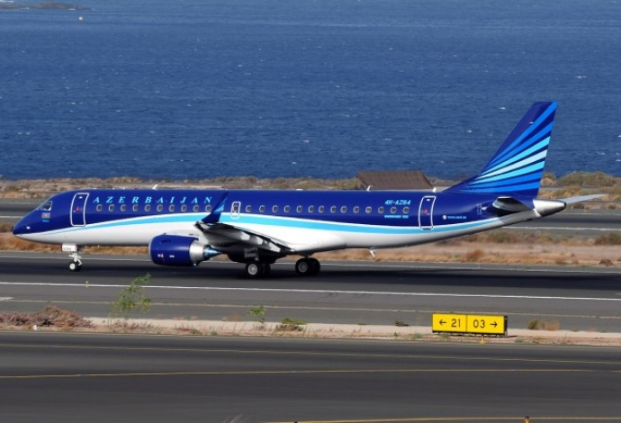 Embraer ERJ 190-100 авиакомпании Azal