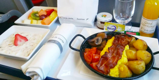 Завтрак в бизнес-классе Austian Airlines