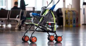 коляска в аэропорту