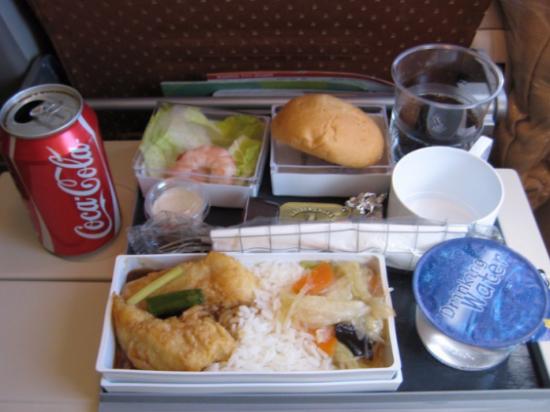 Сингапурские авиалинии: бюджетное питание