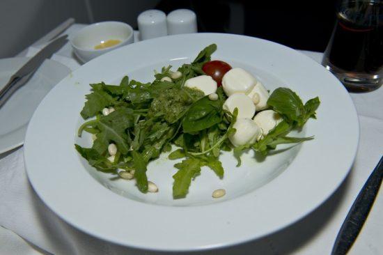 Салат как составляющая обеда