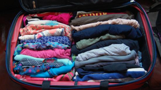 Способ упаковки вещей в чемодан