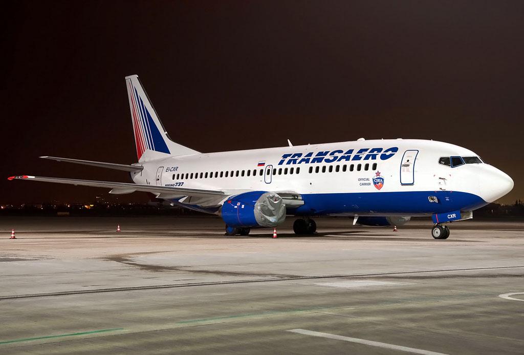 Боинг 737-300 на стоянке