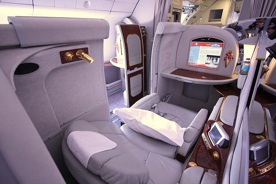 Первый класс Boeing 777-300ER Emirates