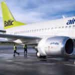 Самолет Аirbaltic - фото