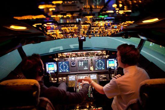пилоты и их кабина