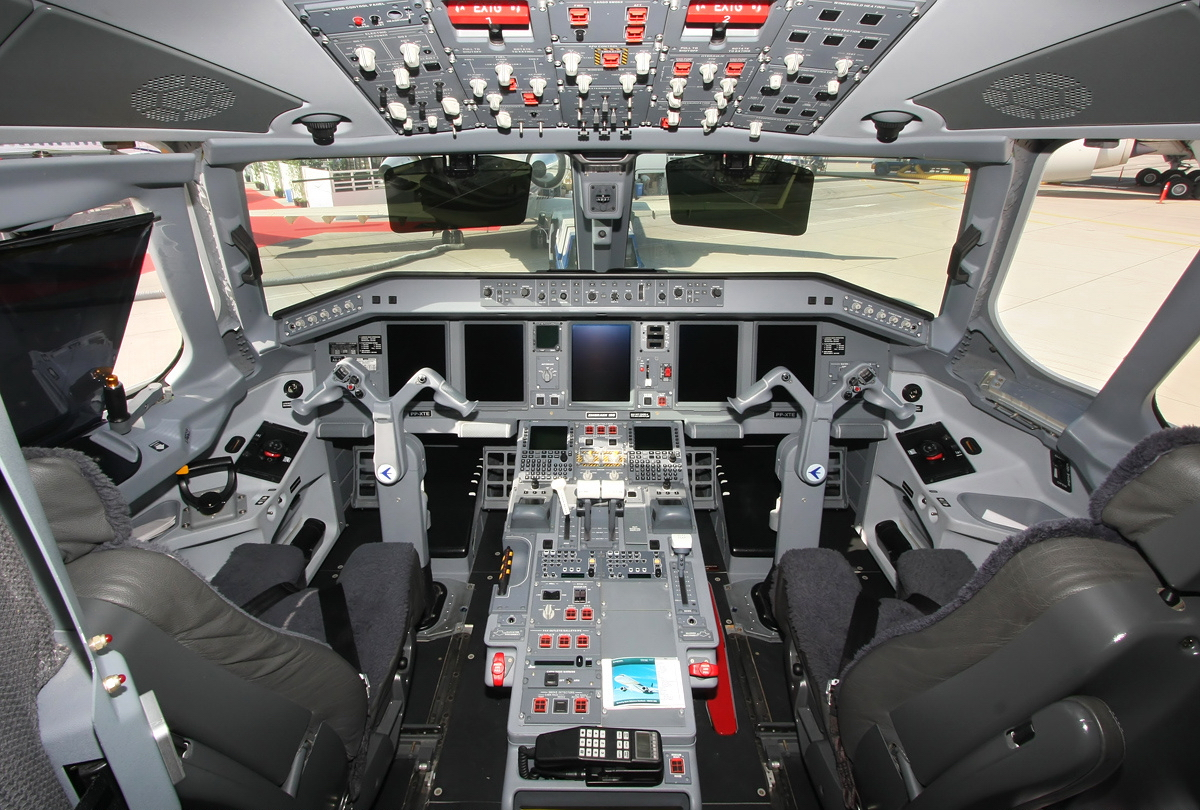 Схема мест самолета эмбраер